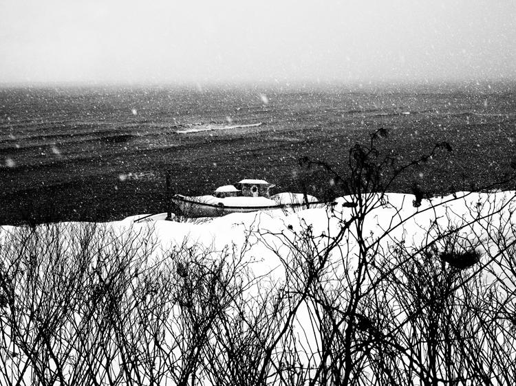 (10)緒形拳さんを思い出した 永瀬正敏が撮った雪と漁船