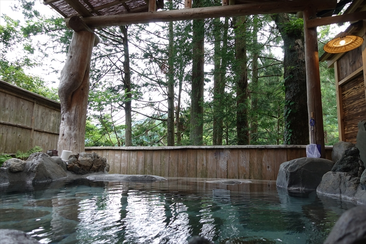 温泉+朝ごはん とろんとろんの美肌湯 梅ヶ島温泉郷コンヤ温泉・大野木荘
