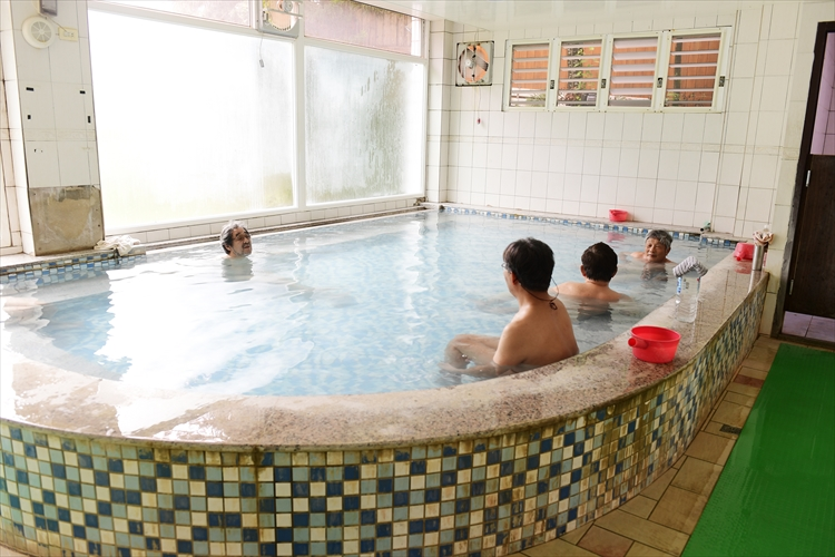北埔冷泉から泰安温泉へ、旅行作家・下川裕治が行く、台湾の超秘湯旅2