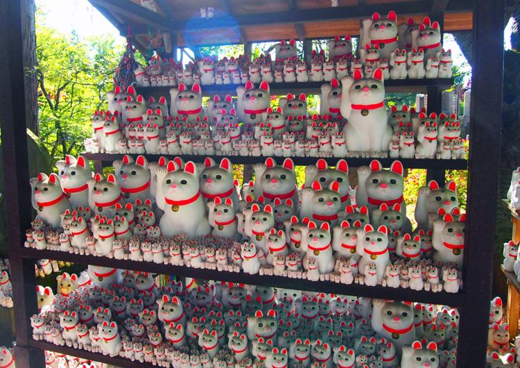 招き猫が並ぶ豪徳寺や史跡めぐりで時間旅行気分 世田谷線松陰神社前~宮の坂駅