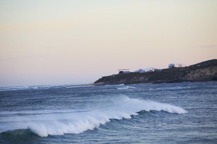 ホワイト・エレファント・ビーチ・カフェ前の海