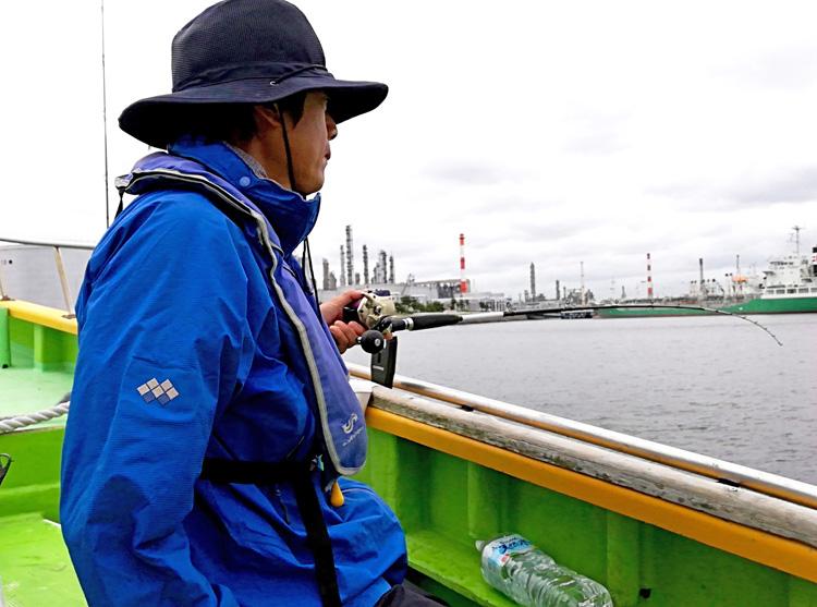 東京湾にタコが湧く、餌木で誘ってひっかけろ! 千葉県浦安市