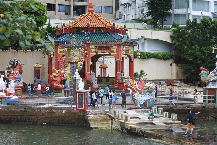 香港のビーチは御利益付き? 市街地観光に疲れたら