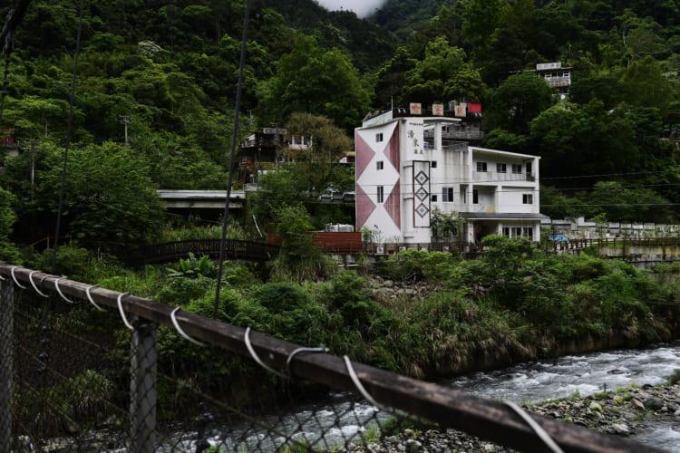 台北から北埔冷泉へ、旅行作家・下川裕治が行く、台湾の超秘湯旅1