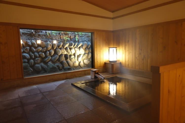 温泉+ミクソロジーカクテル 浴衣で夜の森のバーへ「那須高原の宿 山水閣」