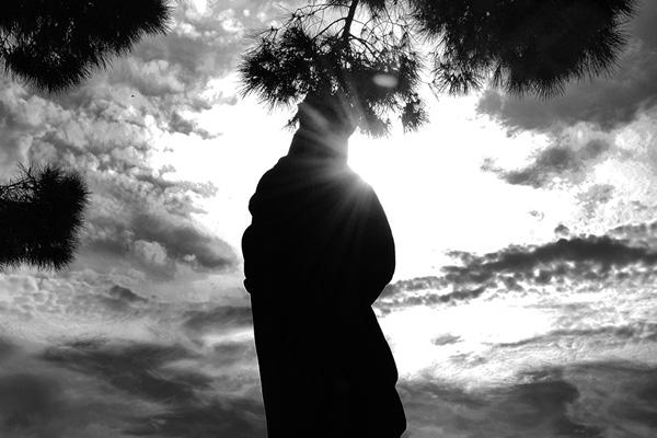 (15)後光が差した、誰の像? 永瀬正敏が撮ったカンヌ