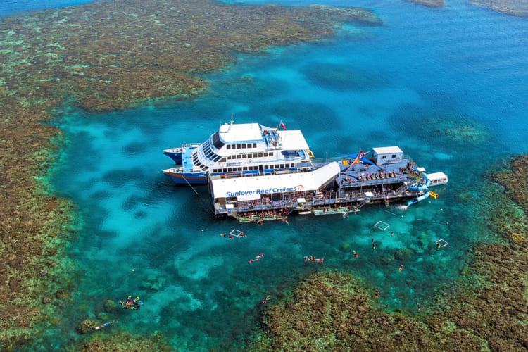 オーストラリア・ケアンズ、海の世界遺産グレートバリアリーフで遊び尽くす