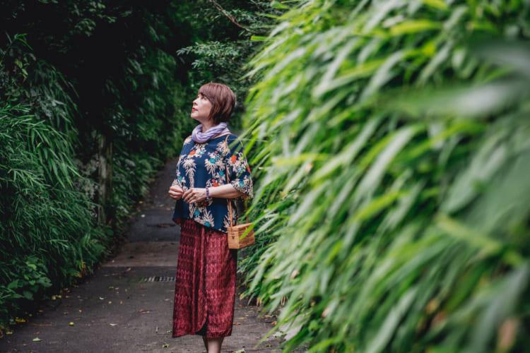 「小説ともエッセーとも童話ともいえないもの」 芥川賞作家・大道珠貴さん、&TRAVELの新連載を語る