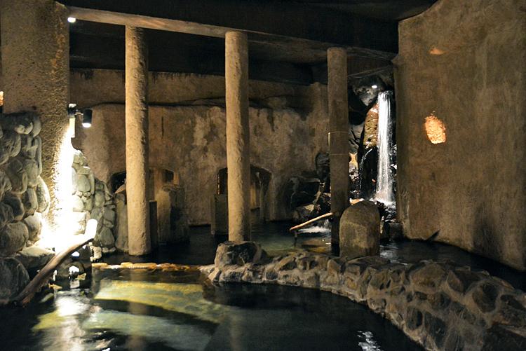 予約殺到、温泉のプロも憧れる「仙仁温泉・岩の湯」その魅力とは?