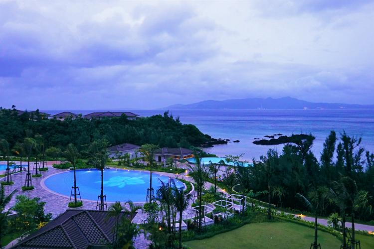 温泉+ハワイ+沖縄 話題の「ハレクラニ沖縄」で三つとも満喫!