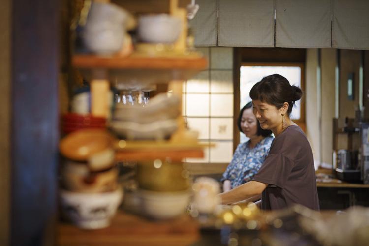 季節の一汁三菜でもてなす、ふだん使いの和食店 京都「まつは」