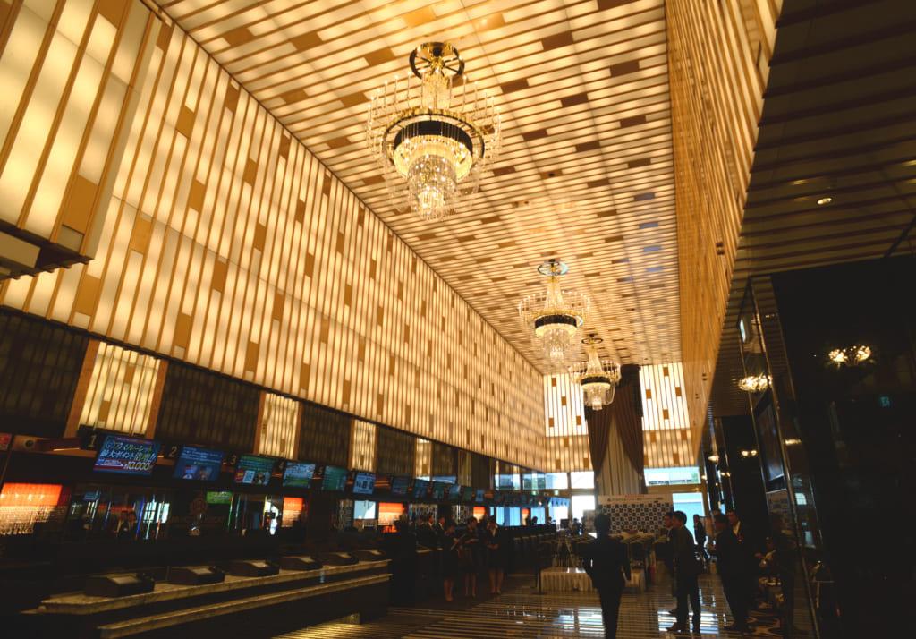 アパホテルが「横浜ベイタワー」を開業 日本最大級の2311室