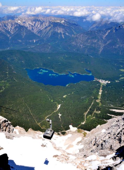 歩かずに楽しめる絶景 ドイツ最高峰ツークシュピッツェ