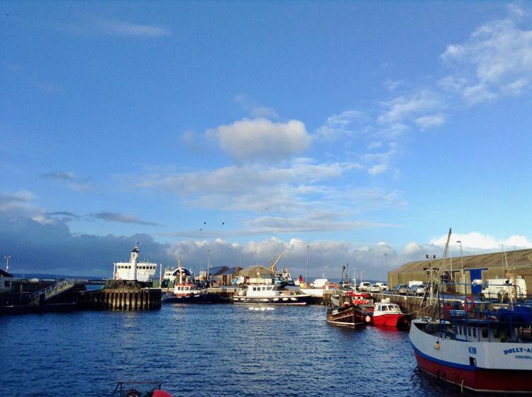 英国最北端の大聖堂、メーンランド島を散策 スコットランドはじっこ紀行3