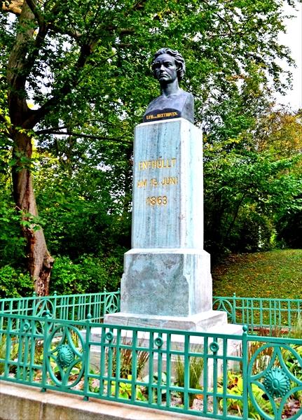 遺書、恋文、隠し子も? ベートーベン生誕250年を前にウィーンゆかりの地をめぐる(3)