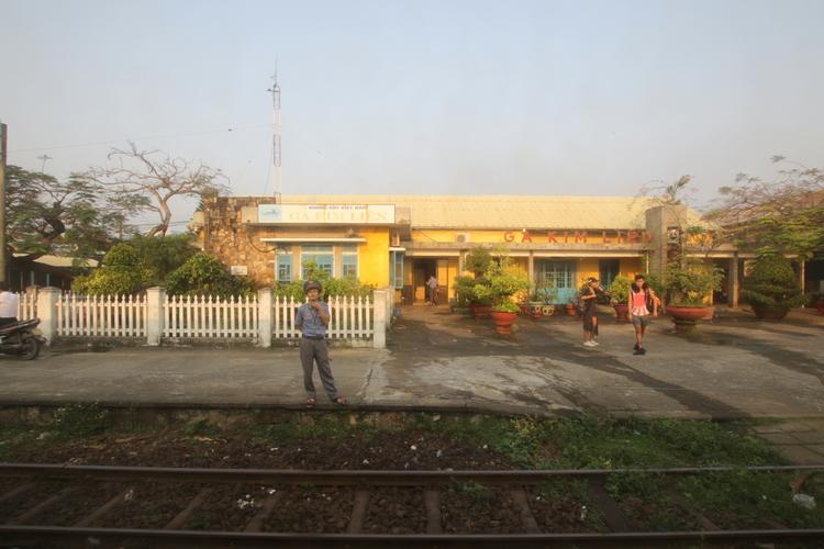 """片道18時間の寝台列車旅で見たベトナムの""""懐かしさ""""と""""新しさ"""""""