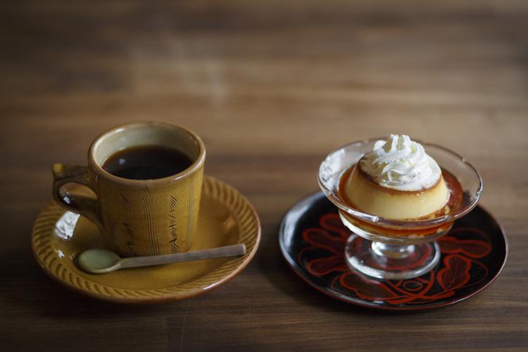 暮らしを彩るうつわで心温まるおばんざいを 「民藝と古い器のカフェ FUDAN」