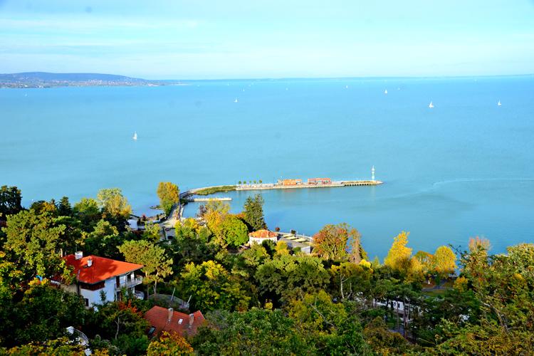美しいリゾートでワインを楽しむ ハンガリーを巡る旅(4)  バラトン湖