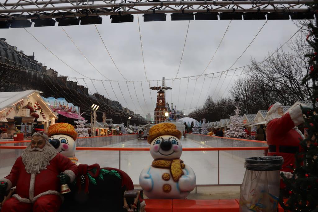 クリスマスティーは青かった &編集長、年の瀬のパリでうっとり