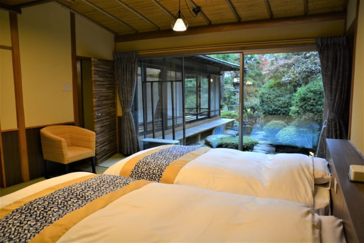 寝室からも庭が望めます