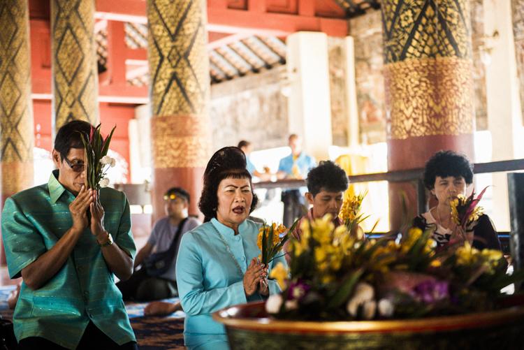 熱心な信者の多い仏教国タイ