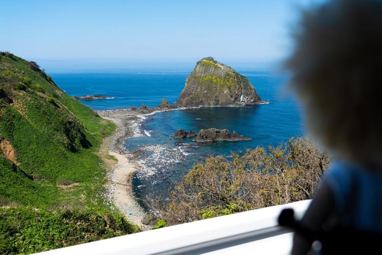 極楽浄土の夕焼けを見たくて、計10キロ歩いてえんやこら 新潟県・粟島(後編)