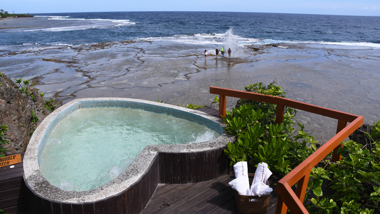 """常夏の国・フィジーの「隠れた楽園」へ 極上リゾートで""""おこもり旅""""を満喫"""