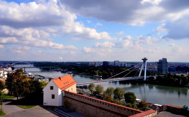 UFOの塔って? 城からはドナウ川の絶景 スロヴァキアのブラチスラヴァ