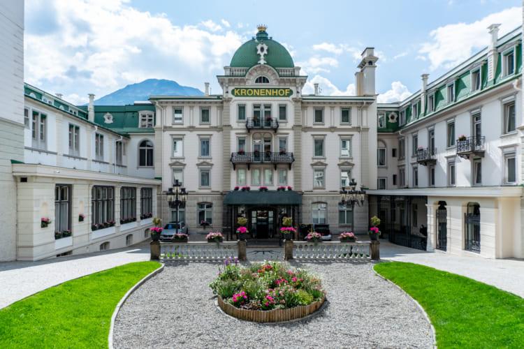 世界遺産の360°ループ 1等車と5つ星ホテルで巡るスイス1周鉄道旅(2) サン・モリッツ~ティラーノ