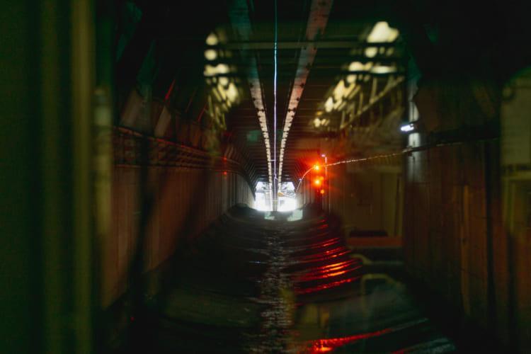 遠ざかる景色と、迫り来る思い 江ノ電、湘南モノレール