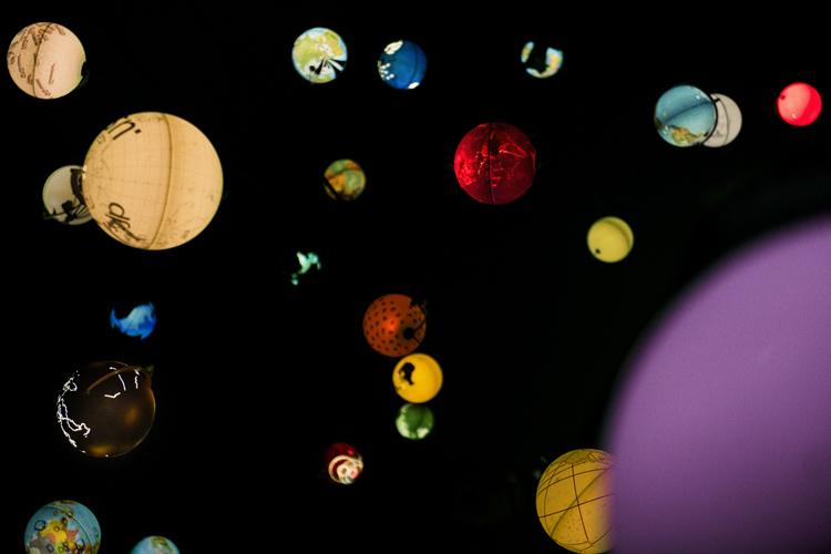 台北ビエンナーレで見た無数の地球儀