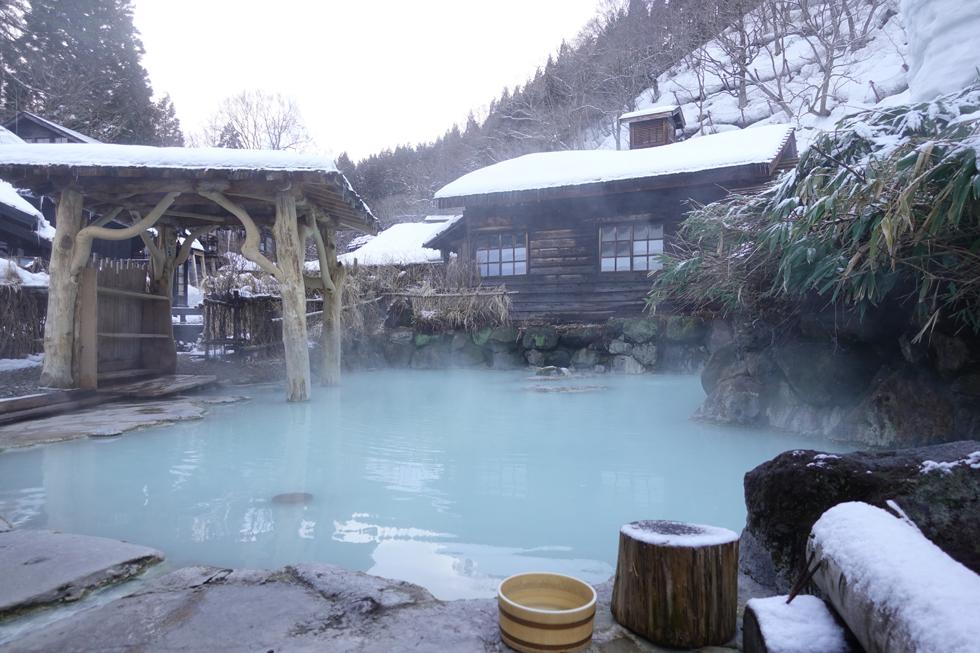 温泉+雪景色 都会を脱出して白銀の秘湯へ 「乳頭温泉郷 秘湯 鶴の湯温泉」