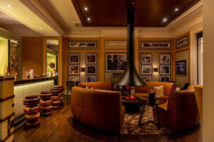 フレディ・マーキュリーの部屋に?! 1等車と5つ星ホテルで巡るスイス1周鉄道旅(5) ツェルマット~モントルー