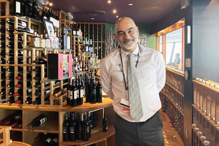 「世界で最も高い場所にあるワインセラー」としてギネス世界記録に認定
