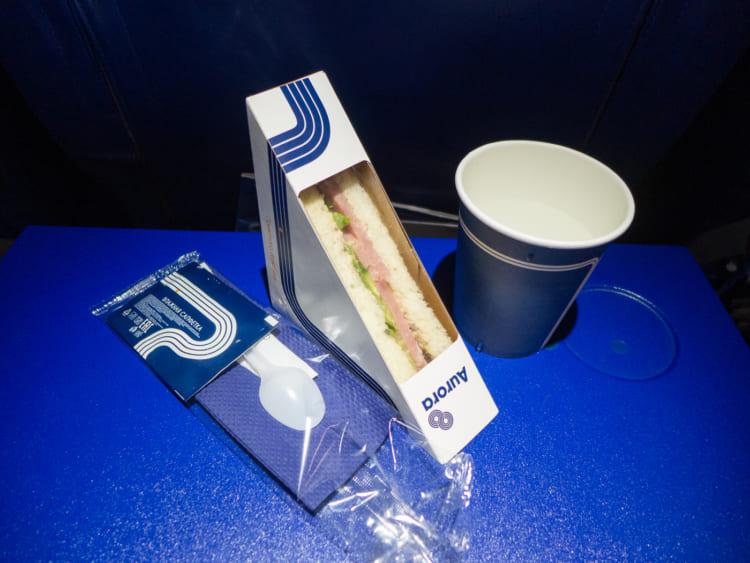オーロラ航空の機内食