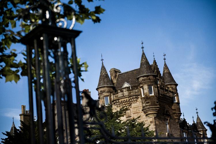 エディンバラの古城ホテル