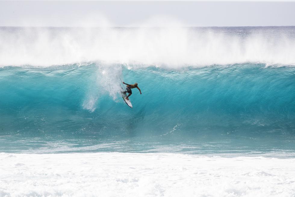 特別な波がやってくるハワイのノースショアで見た、神がかり的サーフィン