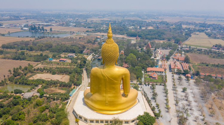 巨大な黄金の指?! 高さ93mの仏像です アーントーン