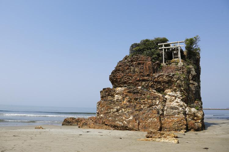 神話の世界、身近に感じられるところ 島根県出雲市・稲佐の浜