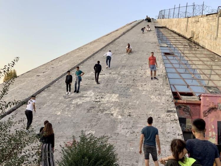 ティラナのピラミッド