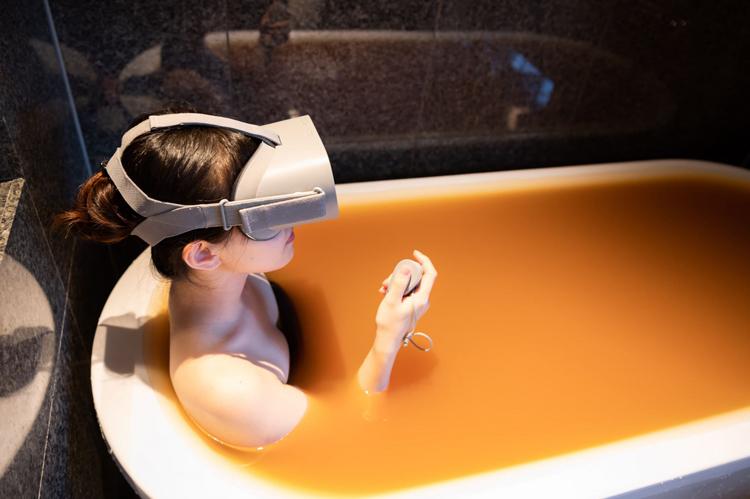未来の宿泊券、オンラインストア、VRで自宅温泉気分 生き残りかけ観光業界