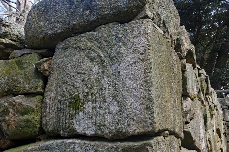 山頂の症结に、度肝を抜かれる石切丁場 萩乡(3)
