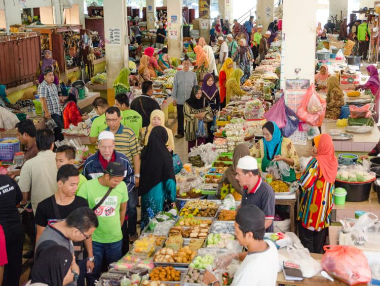 コタバルの市場