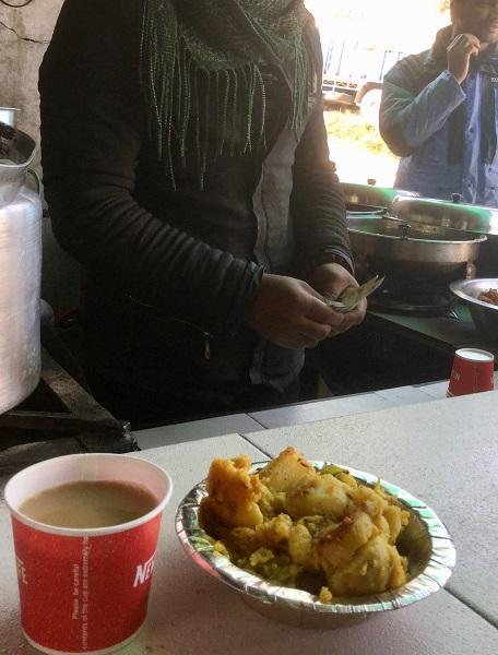 チャイとジャガイモのカレー炒め
