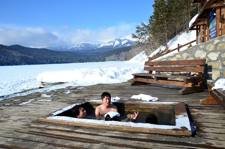 極热の露天風呂と鍾乳洞のように好しい穴 ロシアの旅(6)