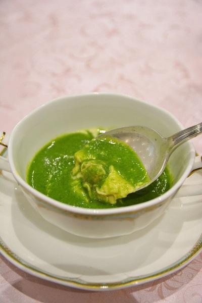 「アサリのフランと菜の花のスープ」