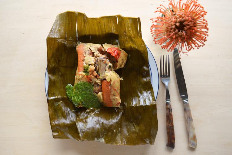 サルサダンスの街で食べた、ホッとする味 コロンビアのタマル