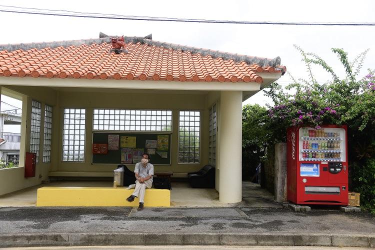 平野のバス停