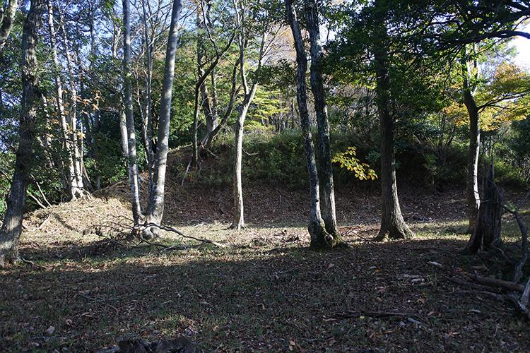 信長退却の中継地にもなった「難攻不落の城」 福井県・国吉城