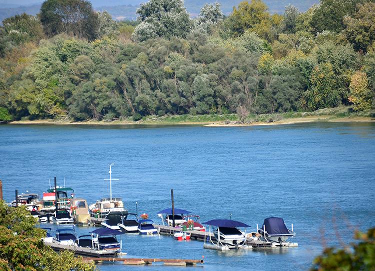 ドナウ川のほとりにあるカワイイ街 ハンガリー・センテンドレ